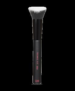 600_110001073_IM_01_650001057_Technic Fit Gradation Contour Brush