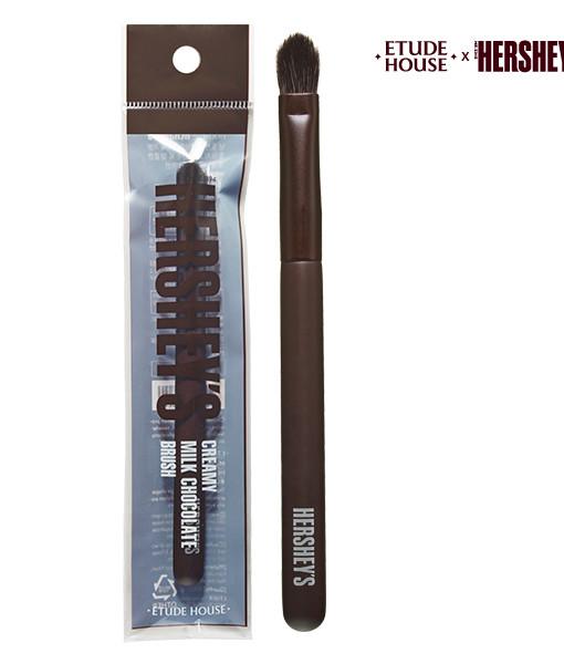 (Hershey's)-My-Beauty-Tool_HERSHEY's-Brush-#Original_pouch